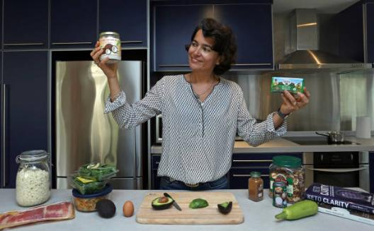 жена, кухня