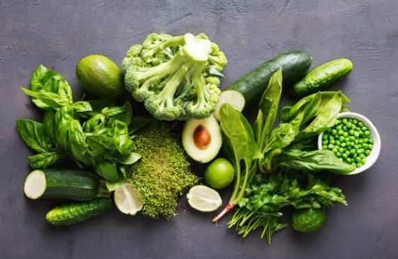 зелени плодове и листни